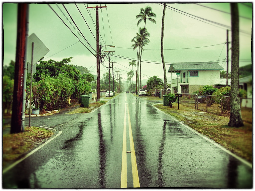 Uncle's Photo Rainy Kailua town